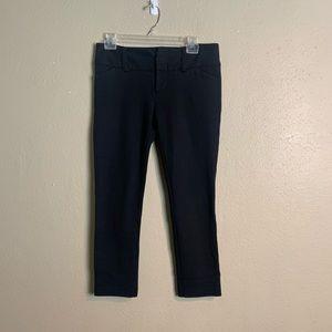 Alice Olivia Scoop black cropped pants 6 jjj14